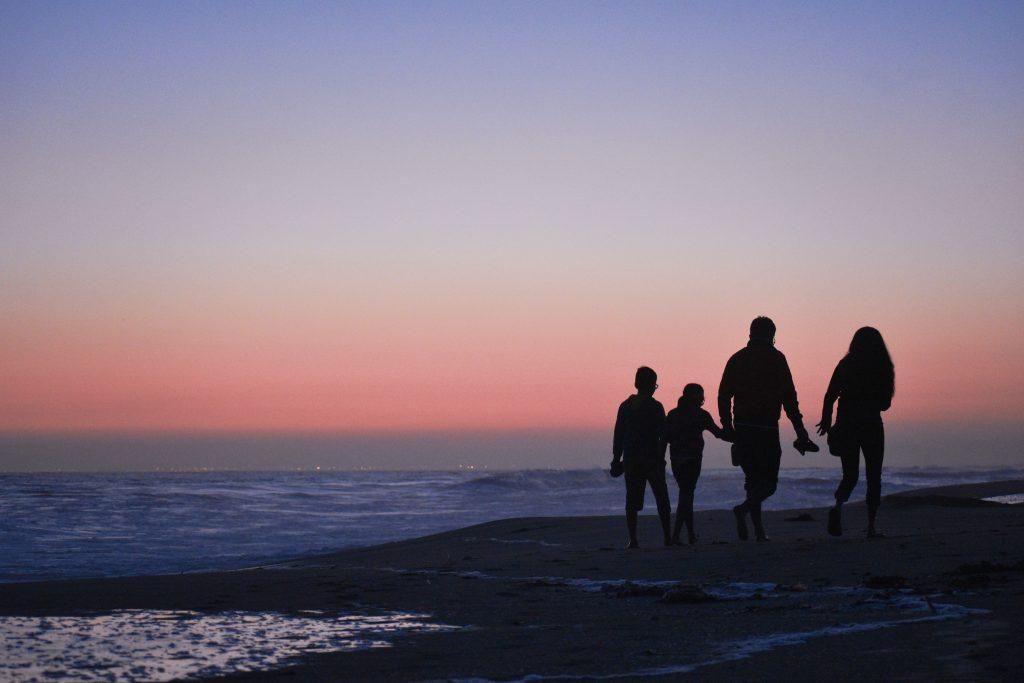 Famille réunie grâce aux services à l'entourage